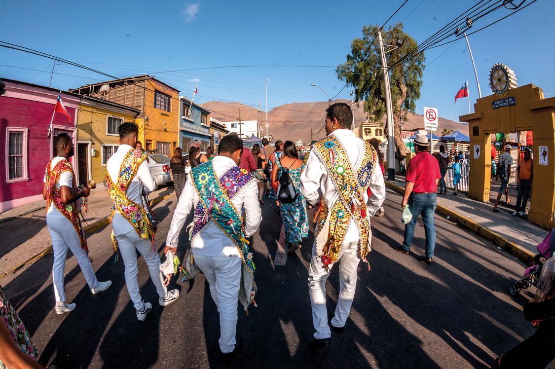 Afrodecendientes de tarapacá bailando
