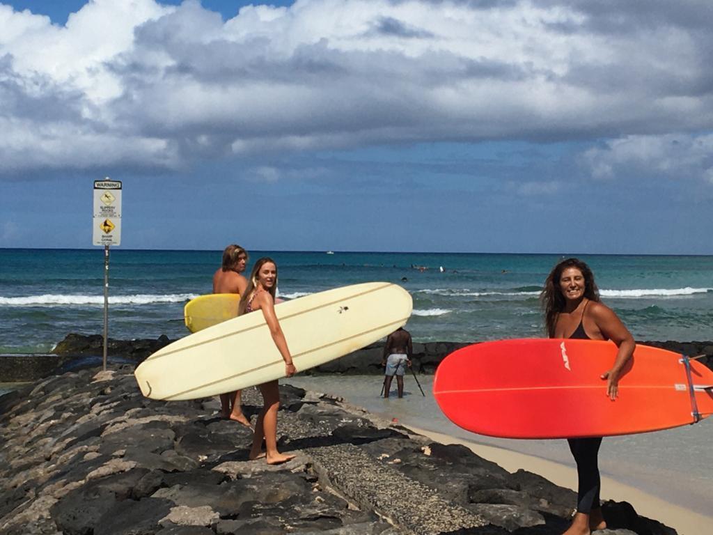 Elizabeth-Parra-Iquiqueña-en-hawaii-2
